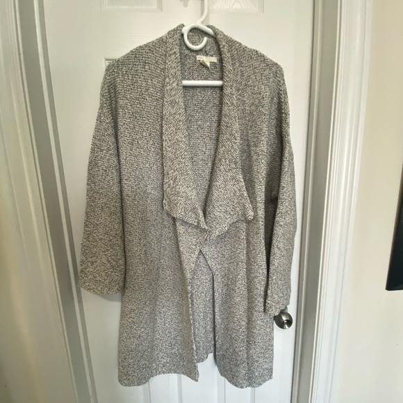 H &M cardigan - size XS but fits much larger